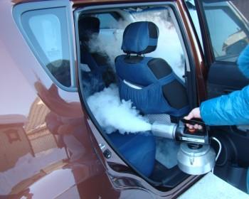 Обработка салона автомобиля сухим туманом